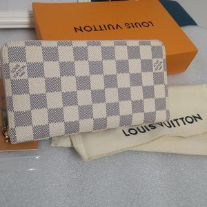 LV Wallet, small and compact but full of capacity